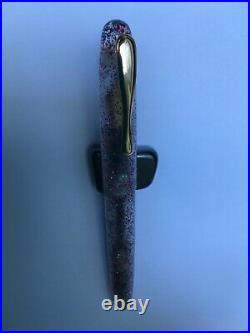 Fountain pen, hand made in Acrylic
